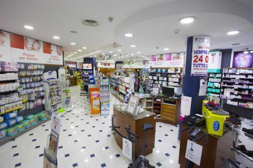 Farmacia S.Antimo Schiassi (17)